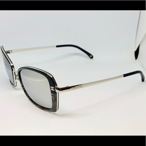 EUC CHANEL Black/Silver 4184 Sunglasses